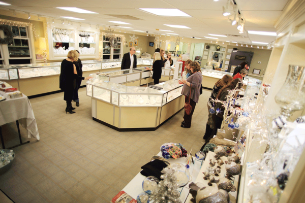 About Robert E. Guertin Jeweler